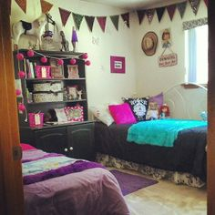 Shared girls bedroom, teen room, color blocking