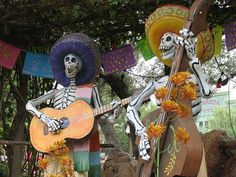 day of the dead mexico Mexico Day Of The Dead, Day Of The Dead Art, Catholic Holidays, All Souls Day, Mexican Holiday, All Saints Day, Disney Day, Fright Night, After Life