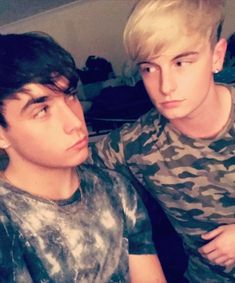 So here are some cute imagines of rye and Andy from Road Trip I was … Random Cute Imagines, Rye Beaumont, Roadtrip Boyband, Brooklyn Wyatt, Road Pictures, Cute Gay Couples, The Duff, Cool Bands, Future Husband