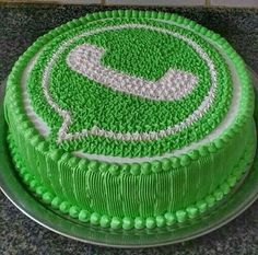 Cake Decorating Frosting, Cake Decorating Designs, Creative Cake Decorating, Cake Decorating Videos, Birthday Cake Decorating, Cake Decorating Techniques, Creative Cakes, Anniversary Cake Designs, Candy Birthday Cakes