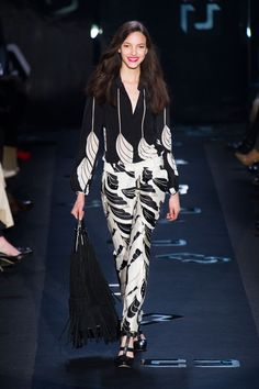 La Fashion Week new-yorkaise démarre très fort.    http://www.femina.ch/galeries/mon-style/fashion-new-york    (CP: Imaxtree)