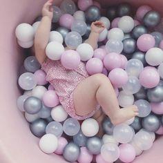 Suchý bazén pre všetky deti v rôznych farbách, rozmeroch.
