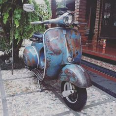 Vespa Vbb, Piaggio Vespa, Lambretta Scooter, Scooter Motorcycle, Vespa Scooters, Vespa Vintage, Vespa Retro, Retro Scooter, Cool Bicycles