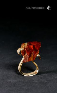 PAWEL KACZYNSKI / JEWELLERY / RING - gold, amber & diamond