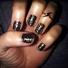 This Cheetah mani is super cute, edgy and easy to do!