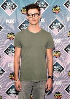 Grant Gustin | Here's What Everyone Wore To The 2016 Teen Choice Awards