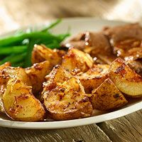 Add Lipton's Onion-Roasted Potatoes to tonight's dinner menu! See more side dishes: http://www.bhg.com/recipes/quick-easy/dinners-30-minutes-less/simple-side-dishes/