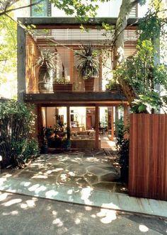 50 Fachadas de Casas Estreitas Inspiradoras