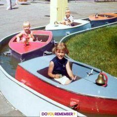 Amusement park boat ride- HA HA i remember these. My Childhood Memories, Childhood Toys, Sweet Memories, Vacation Memories, Nostalgia, Amusement Park Rides, Photo Vintage, Retro Vintage, Baby Boomer