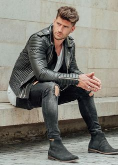 129 sublime urban fashion streetwear outfit ideas – page 36 Leather Jacket Outfits, Men's Leather Jacket, Leather Men, Leather Jackets, Black Leather, Jeans E Vans, Superenge Jeans, Man Jeans, Skinny Jeans