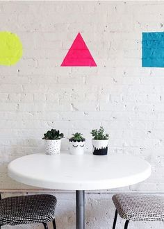 Colorful and bright are the name of the game with these 35 home decor ideas. Whether you opt for creating a blank space with a fresh coat of white BEHR paint, or giving your space some flair with a bolder paint option, your modern design style is sure to shine.