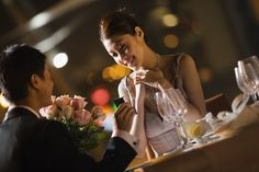 10 Best Ways to Propose a Girl for Marriage - World Blaze Best Ways To Propose, 50th Wedding Anniversary, Marriage Proposals, Online Gifts, Couple Photos, Concert, Celebrities, Beauty, Entertainment