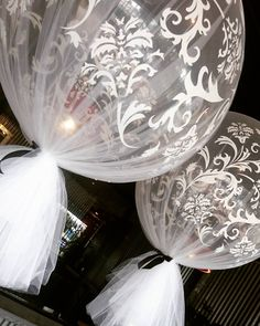 """408 Me gusta, 11 comentarios - Boutique Balloons Melbourne (@boutique_balloons_melbourne) en Instagram: """"Exclusive ONLY to us, our very limited edition damask giant tulle balloons. Only 6 left, get your…"""""""