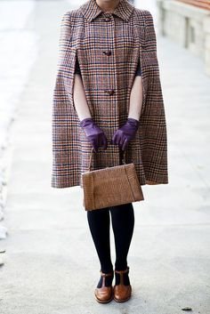 how cute is this outfit?!  I've wanted a coat like this since watching Pearl…