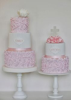 An amazing birdcage cake from Anne Glydon at Pretty Amazing Cakes! Cute Cakes, Pretty Cakes, Beautiful Cakes, Amazing Cakes, Christening Cake Girls, Baptism Cakes, First Holy Communion Cake, Religious Cakes, Confirmation Cakes