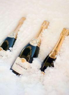 10 Winter Wedding Drink Ideas - Style Me Pretty Champagne Taste, Champagne Bottles, Wedding Champagne, Champagne Cocktail, Paris Wedding, Champagne Glasses, Wine Bottles, Winter Wedding Drinks, Winter Weddings