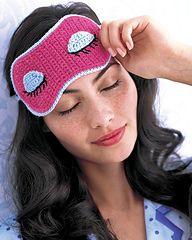 Sleep Mask from Crochet Today Crochet Eyes, Crochet Mask, Love Crochet, Crochet Gifts, Knit Crochet, Easy Crochet Patterns, Crochet Designs, Crochet Stitches, Crochet Accessories
