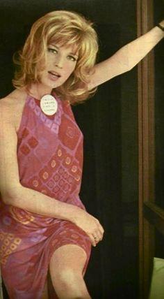 Monica Vitti in dress designed by Ken Scott. Vintage Outfits, Vintage Fashion, Retro Fashion, Women's Fashion, Ken Scott, Mod Girl, Sixties Fashion, Italian Actress, Celebs