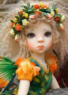 Very cute doll. Amazing site by doll maker Martha Boers - tutorials (like how to make a Tibetan lambskin wig & fairy wings), patterns & superb photos of her creations. Clay Dolls, Bjd Dolls, Doll Toys, Elf Doll, Barbie Dolls, Fairies Photos, Paperclay, Flower Fairies, Little Doll