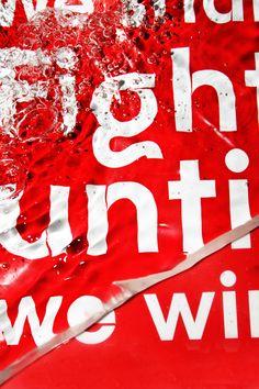 YWFT / YouWorkForThem  Behancé -7 de julio de 2010      Typography in Water    Diseño gráfico Tipografía