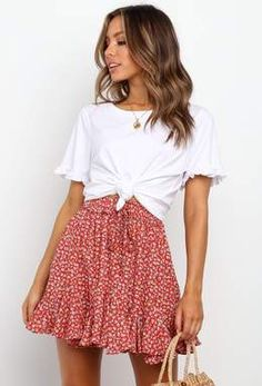 cute outfits for school . cute outfits with leggings . cute outfits for winter . cute outfits for school for highschool . cute outfits for women . cute outfits for spring Spring Outfit Women, Summer Outfits Women 30s, Teen Fashion Outfits, Casual Summer Outfits, Mode Outfits, Woman Outfits, Look Fashion, Spring Outfits, Fashion Clothes