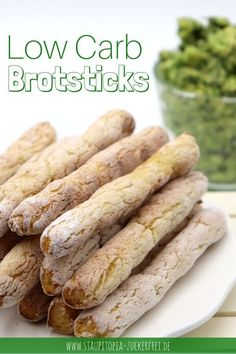 If you love snacks, then you should try these low carb bread sticks. The bar-shaped low carb bread is perfect for snacking on dips. Also as a starter or low carb snack for in between, the low carb bread sticks fit just perfect. A low carb bread recip Lowest Carb Bread Recipe, Low Carb Bread, Low Carb Diet, Keto Snacks, Healthy Snacks, Low Carb Recipes, Diet Recipes, Law Carb, Cocina Light