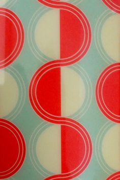 circle geometric pattern aqua red