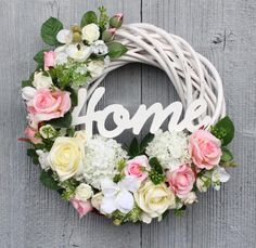 Wreath Crafts, Diy Wreath, Easter Wreaths, Holiday Wreaths, Tulle Wreath, Floral Wreath, Vence, Wooden Wreaths, Summer Deco