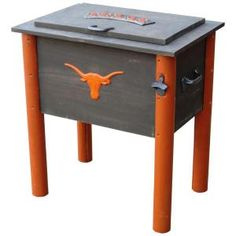 Declare your Longhorn love with this collegiate cooler. The rustic look of the wooden cooler not only keeps your beverages or food cold, it adds visual appeal. Texas Longhorns Football, Ut Longhorns, Burnt Orange, Orange Grey, Wooden Cooler, Patio Cooler, Bourbon And Boots, Ice Chest Cooler, Nfl
