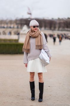 chunky knit/skirt combo. #LindaTol in Paris.