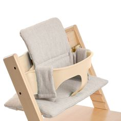 Your little one will enjoy mealtimes with the Stokke Tripp Trapp® cushion. It provides a cozy seat by adding lush comfort and support to your child. Made to accompany the Tripp Trapp Baby Set, this cushion will keep baby comfy and happy for every meal.