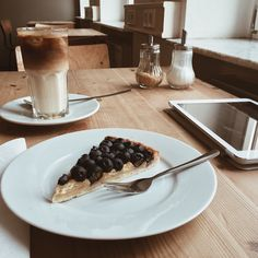 "mrsjohnsfarmhouse: "" This has now become my favourite coffeeshop for studying. No noisy music, wonderful coffee and great cakes and quiches and sandwiches; super friendly barista. And free water. Lots of vegan choices. And lots of people studying or..."