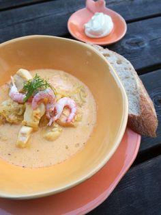 Fisksoppa med fänkål, vitt vin och saffran