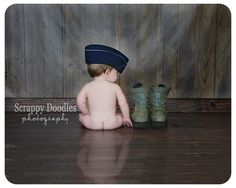 {Children's Photography} Baby Bottom with Combat Boots. Sub beret or patrol cap for an Army baby Newborn Pictures, Baby Pictures, Baby Photos, Newborn Pics, Luftwaffe, Children Photography, Newborn Photography, Air Force Baby, Airforce Wife