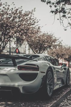 The Porsche 918 Spyder is a Hybrid supercar with a limited production of 918 units that ended in The car is available as a coupe and as roadster. Porsche 918 Spyder, Porsche Cars, Ferrari Car, Bugatti, Lamborghini, Super Images, Car In The World, Expensive Cars, Sexy Cars