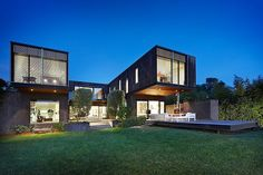 Armandale House by Jackson Clements Burrows