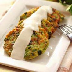 Tócsni-variációk | Receptek | Mindmegette.hu Quiche Muffins, Diet Recipes, Cooking Recipes, Tasty, Yummy Food, Ciabatta, Zucchini, Sushi, Main Dishes