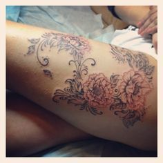 soft lines and swirls on the thigh. Stunning.