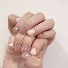 What manicure for what kind of nails? What manicure for what kind of nails? Korean Nail Art, Korean Nails, Chic Nails, Stylish Nails, Chic Nail Art, Gel Nail Art, Nail Manicure, Hair And Nails, My Nails