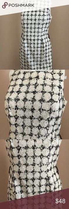 CARMEN MARC VALVO dress Gorgeous black and white CMV dress, missing belt, could pair w any belt you have around the house. This dress is absolutely gorgeous on, the pics don't do it justice. Carmen Marc Valvo Dresses