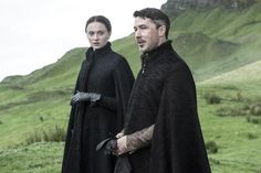 Sophie Turner as Sansa Stark and Aidan Gillen as Littlefinger  - Season 5 Photos -Fangirl - Game Of Thrones