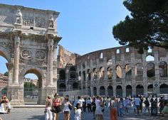 Pictures of the Colosseum in Rome, or Amphitheatrum Flavium: People entering the Colosseum Grounds