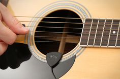 IK Multimedia | iRig Acoustic - Acoustic guitar microphone/interface for iPhone, iPod touch, iPad, Android devices and Mac/PC