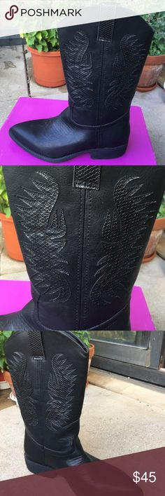 ❗️final price ❗️Cute western style  black  boots Very cute pair of slip on boots with nice stitch detailing . New with box. If u are looking for any other size Lmk I might be able to get it for u. Please note : size 9 is without box . Shoes Heeled Boots