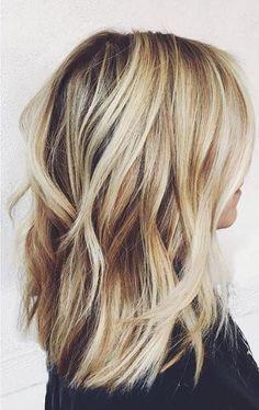 - Haare, Nägel & Make-up - - frisuren - Cabello Rubio Hair Day, New Hair, Medium Hair Styles, Short Hair Styles, Blonde Wavy Hair, Blonde Brunette, Long Bob Blonde, Blonde Honey, Wavy Lob
