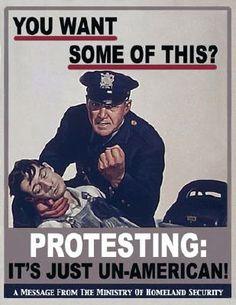 – Già, non si può fare a meno di osservare nel Nypd una escalation di prepotenza –. Gli sbirri newyorkesi sono sempre stati arroganti, ma ora parcheggiano di fisso sul marciapiede, urlando senza motivo ai cittadini, ogni volta che un ragazzotto prova a saltare un tornello fermano la metro ed è tutto un convergere di mezzi della polizia di ogni forma e dimensione, su ruote o su ali, che non se ne vanno piú.