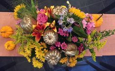 DIY Thanksgiving Centerpieces on Bunny and Moon By Orlandice Diy Thanksgiving Centerpieces, Autumn Scenery, Style Blog, Vibrant Colors, Floral Wreath, Bunny, Moon, Wreaths, Seasons