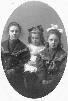 Isabel, Charlotte and Alice Whittier...Dr. Alice Whittier would go on to be the first female pediatrician in Maine.  She also kept the contents of the Skolfield-Whittier House in Brunswick Maine intact which in turn offered an excellent historical look a life, particularly for women in the early 1900's...