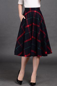 Skirt Outfits, Dress Skirt, Midi Skirt, Blue Plaid, Navy Blue, Plus Clothing, How To Make Clothes, Modern Outfits, Retro Fashion