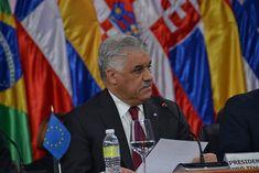 """Santo Domingo.- El canciller dominicano, Miguel Vargas, expresó hoy su confianza en que el Gobierno y la oposición de Venezuela regresen a Santo Domingo el próximo lunes para alcanzar un """"acuerdo definitivo"""" en el diálogo que sostienen desde el año pasado. """"Confiamos en que de..."""